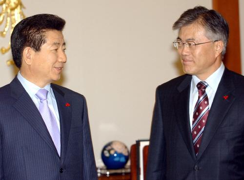 2003년 노무현 정부의 민정수석으로 임명된 문재인 대통령 [중앙포토]