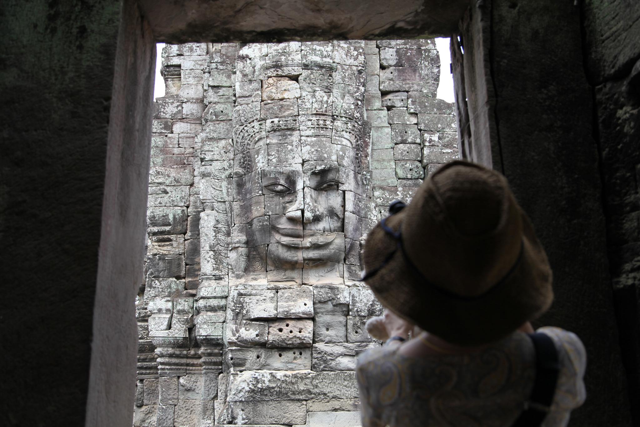 사면상으로 유명한 바욘 사원. 최승표 기자