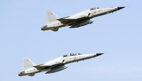 F-5전투기 비행 모습. 뉴스1