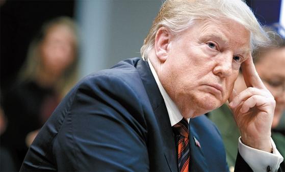내년 대통령 선거를 앞둔 도널드 트럼프 미국 대통령은 제조업과 수출 중심의 중장기 성장 전략을 꾀하고 있다.