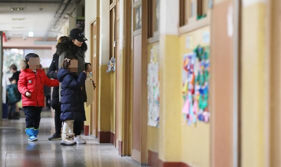 전국 초·중·고 학생 48.7% 수도권 거주…대입경쟁률 양극화도 심화