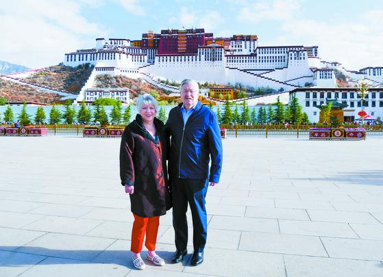티베트 간 주중 미국 대사