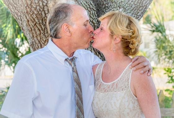 혀는 키스뿐 아니라 여러가지 훌륭한 일을 한다. 하루에도 수백 번 수천 번 움직이는데 실제로 움직이는 혀는 전체의 2/3 정도다. [사진 pixabay]