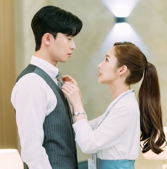 웹소설의 2차 창작물이 인기를 끌며 신진 작가들의 참여가 늘고 있다. 사진은 tvN 드라마 '김비서가 왜 그럴까'. [사진 tvN]