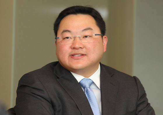 말레이시아 최대 부패 스캔들에 연루된 핵심인물이자 YG 엔터테인먼트의 성 접대 의혹에 휘말린 조 로우(38·로택 조). [페이스북 캡처]