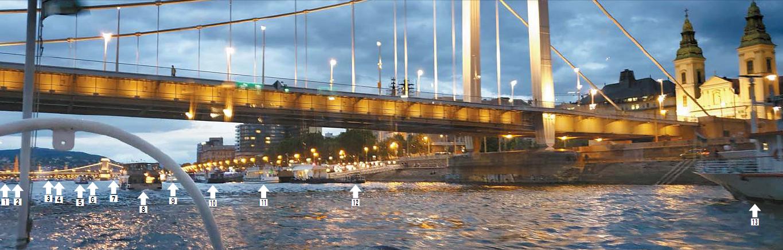 지난 21일 헝가리 다뉴브강 유람선에서 촬영 한 사진. 다리 앞 뒤로 보이는 배만 13척이다. [사진 독자]