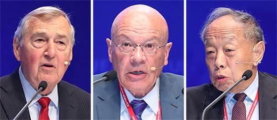 그레이엄 앨리슨 미국 하버드대 석좌교수, 마틴 자크 영국 케임브리지대 선임연구원, 리자오싱 전 중국 외교부장(왼쪽부터)이 30일 오전 제주도 서귀포시 국제컨벤션센터(ICC)에서 열린 제14회 제주포럼 '미·중 관계의 미래를 묻다' 세션에서 발언하고 있다. [우상조 기자]