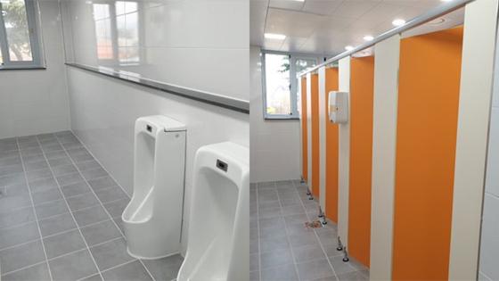 왼쪽은 남자 화장실, 오른쪽은 여자화장실 [인터넷 카페 캡처]