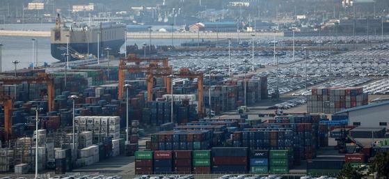 미중 무역분쟁으로 국내 수출 기업의 실적 악화 가능성이 제기된다. [뉴스1]