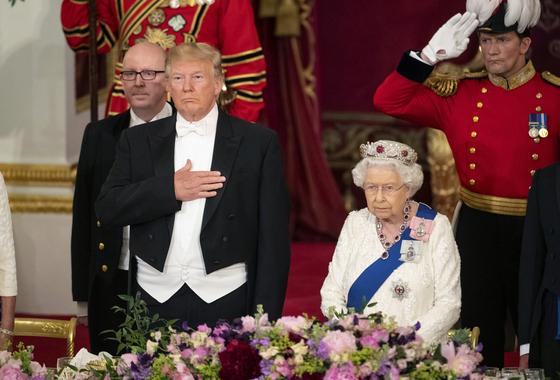 트럼프 미국 대통령과엘리자베스 2세 영국 여왕 [AP=연합뉴스]