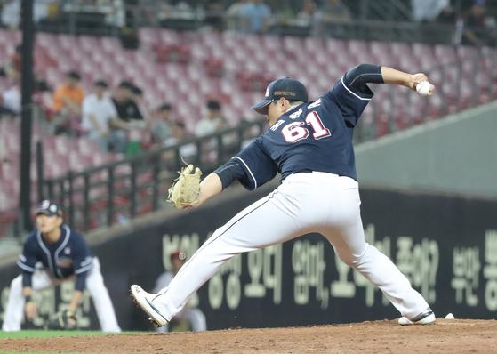 광주 KIA전에서 4이닝 무실점으로 승리투수가 된 두산 최원준. [연합뉴스]