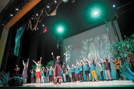 SJA Jeju는 지난달 20~24일 아트 페스티벌을 열었다. 초등부의 뮤지컬 '정글북 아이들'.