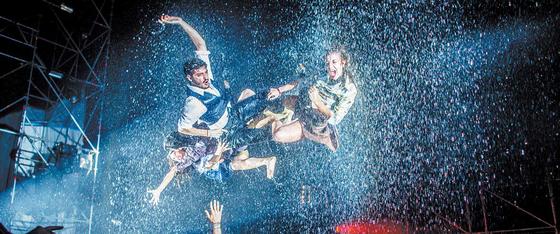 독특한 콘셉트와 새로운 시도로 큰 인기를 끌었던 2019 푸에르자 부르타가 오는 8월 4일까지 잠실 FB씨어터에서 열린다. [사진 쇼비얀 엔터테인먼트]