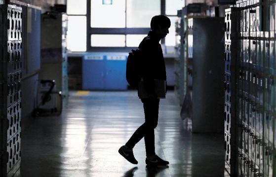 직업이 없는 20대 청년들이 저금리에 대출을 받을 수 있는 창구는 한국장학재단이 운영하는 생활비대출이 사실상 유일이다. 막다른 길에 몰린 청년들이 '작업대출'에 쉽게 현혹될 수밖에 없는 이유다.