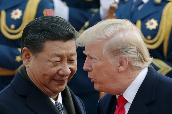 시진핑 주석과 도널드 트럼프 대통령[AP=연합]