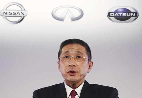 """사이카와 히로토 닛산 최고경영자(CEO)는 르노-FCA 합병에 대해 """"르노와 닛산의 관계를 재정립할 필요가 있다""""며 미온적 태도를 보였다. 지난 5월 사이카와 CEO가 기자회견하는 모습. [AP=연합뉴스]"""