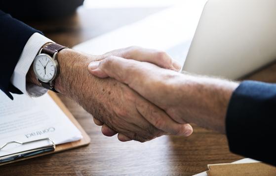 경영에 고민이 있는 여러 회사를 도운 적이 있다. 이들에게 아이디어와 제안서를 제공하며 물심양면으로 도왔다. 연락을 주겠다던 이들은 끝내 함께 일하지 못했다. [사진 pixabay]