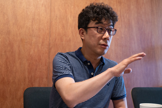 태평운수 대표이자 타고솔루션즈 부사장인 김재욱 대표가 웨이고 론칭 과정에 대해 이야기하고 있다. 사진 김대원 폴인 에디터