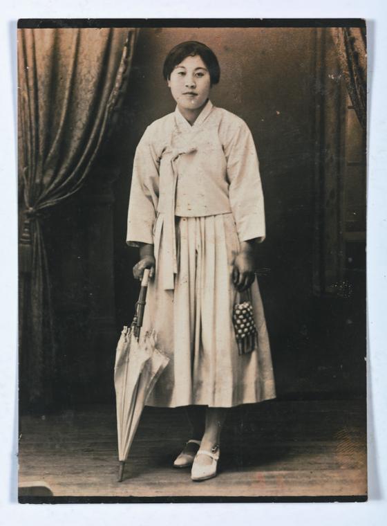1929년에 조선미술전람회에 입선한 뒤 주목 받았던 여성 화가 정찬영. [사진 국립현대미술관]