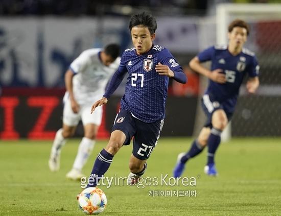 일본의 축구 신동 구보 다케후사가 지난 9일 엘살바도르와 친선경기에서 A매치 데뷔전을 치렀다.
