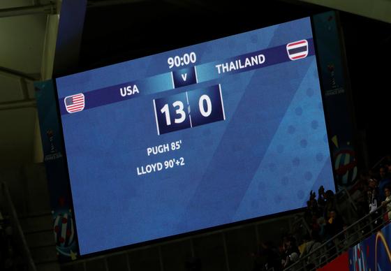 12일 열린 여자월드컵 조별리그 F조 1차전에서 미국이 태국에 13-0 대승을 거뒀다. 전광판에 새겨진 경기 스코어. [로이터=연합뉴스]
