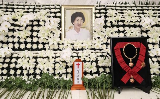 서울 신촌 세브란스장례식장에 마련된 고 이희호 여사 빈소. 김상선 기자