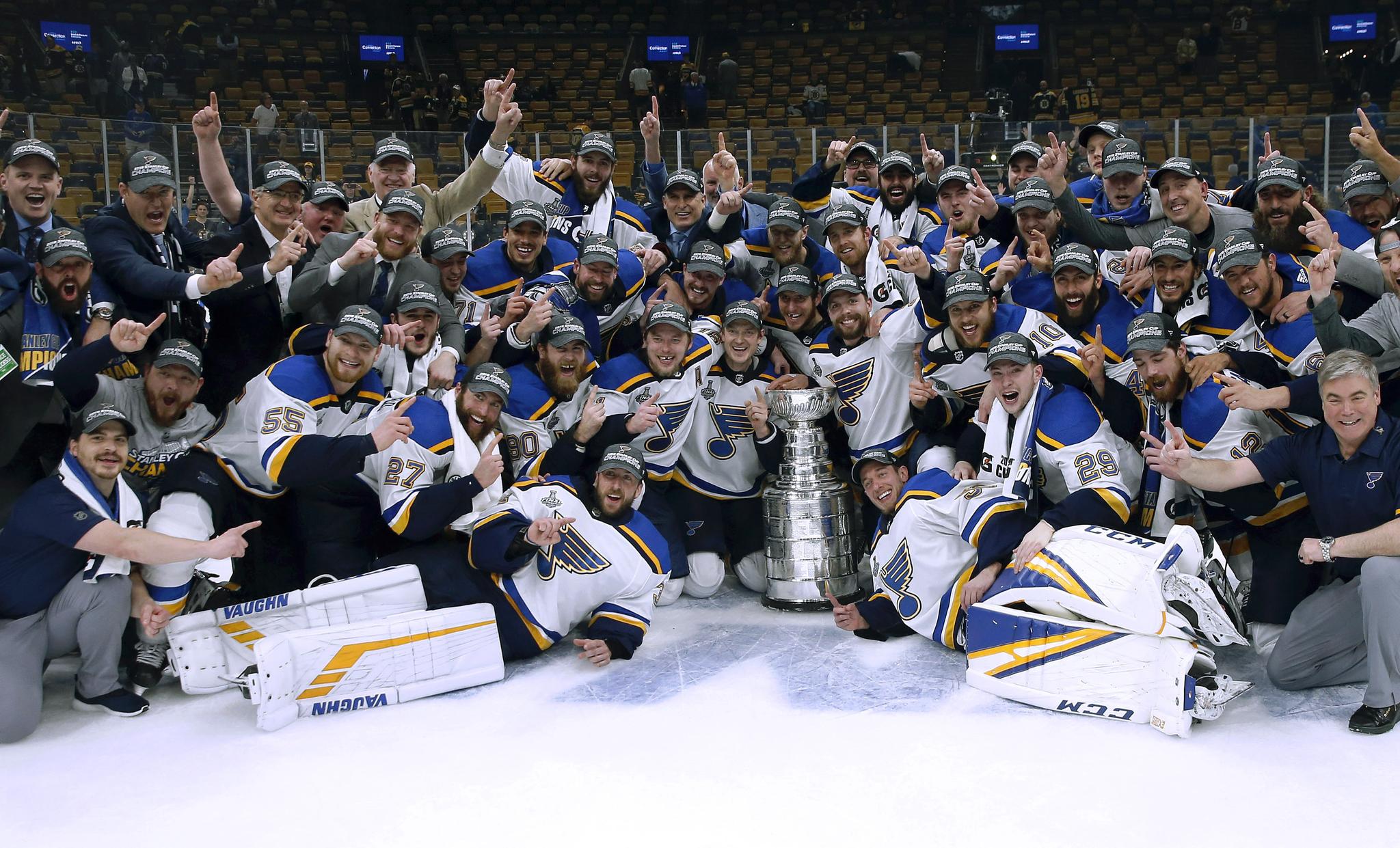 NHL 스탠리컵 파이널에서 우승한 인트루이스 선수들. [AP=연합뉴스]