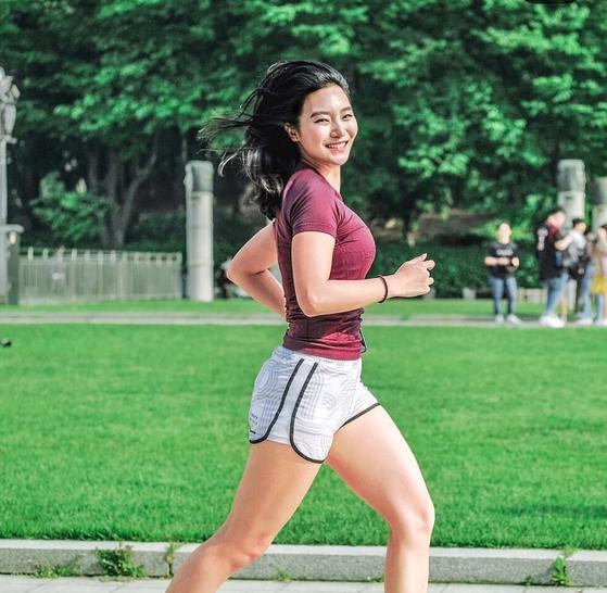 달리기로 자존감을 회복하고 새로운 인생을 열어가는 러너 안정은. [안정은 인스타그램]