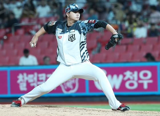 13일 수원 SK전에서 7과3분의1이닝 무실점 호투를 펼친 KT 위즈 투수 김민. [연합뉴스]