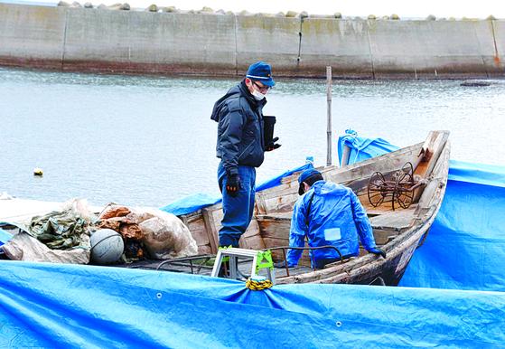 해군이 놓친 北어선 삼척항으로···주민 신고로 발견