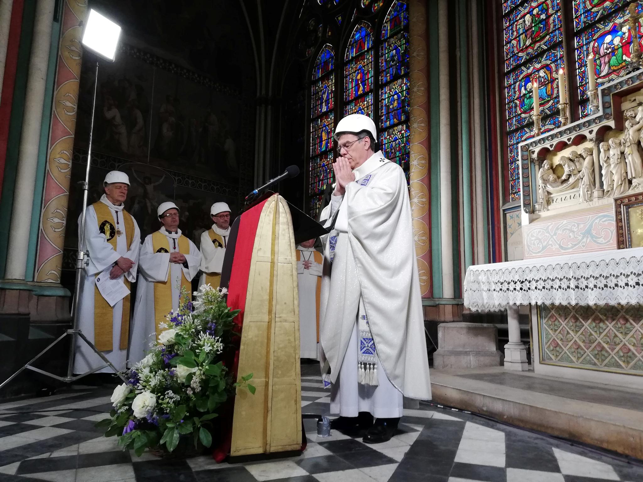 미셸 오프티 대주교가 미사를 집전하고 있다. [로이터=연합뉴스]