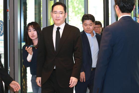 지난 12일 고 이희호 여사의 빈소를 방문한 이재용 삼성전자 부회장. [연합뉴스]