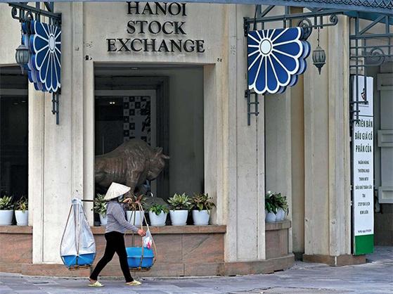 아시아 신흥국 가운데서도 성장 잠재력이 큰 것으로 평가 받는 베트남의 하노이 증권거래소. [중앙포토]