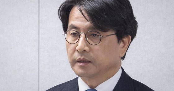 여직원 성추행 혐의 인천 서구청장, 피의자로 경찰 소환