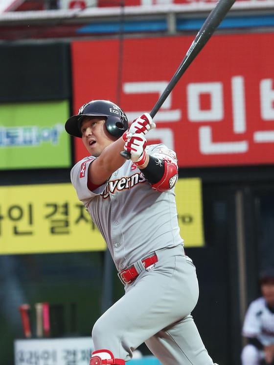 지난해 부진을 딛고 반등에 성공한 SK 최정. [연합뉴스]