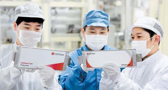 LG화학의 오창 전기차 배터리 생산라인 모습. [사진 LG화학]