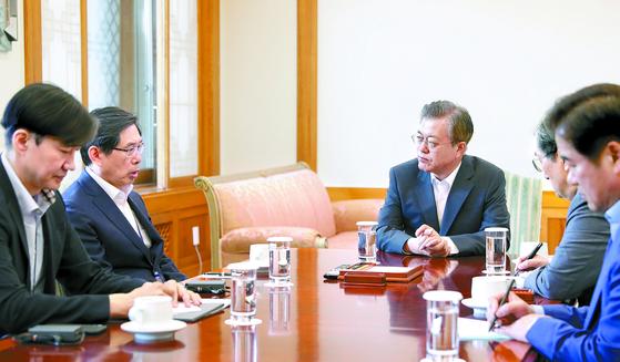 """청와대 """"문 대통령, 임기 내 적폐청산·검찰개혁 의지"""""""