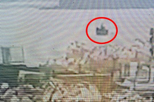 지난 15일 북한 어선이 강원 삼척시 삼척항 부두로 진입하고 있는 모습이 삼척항 CCTV에 포착됐다.[강원 삼척항 인근 CCTV =뉴시스]