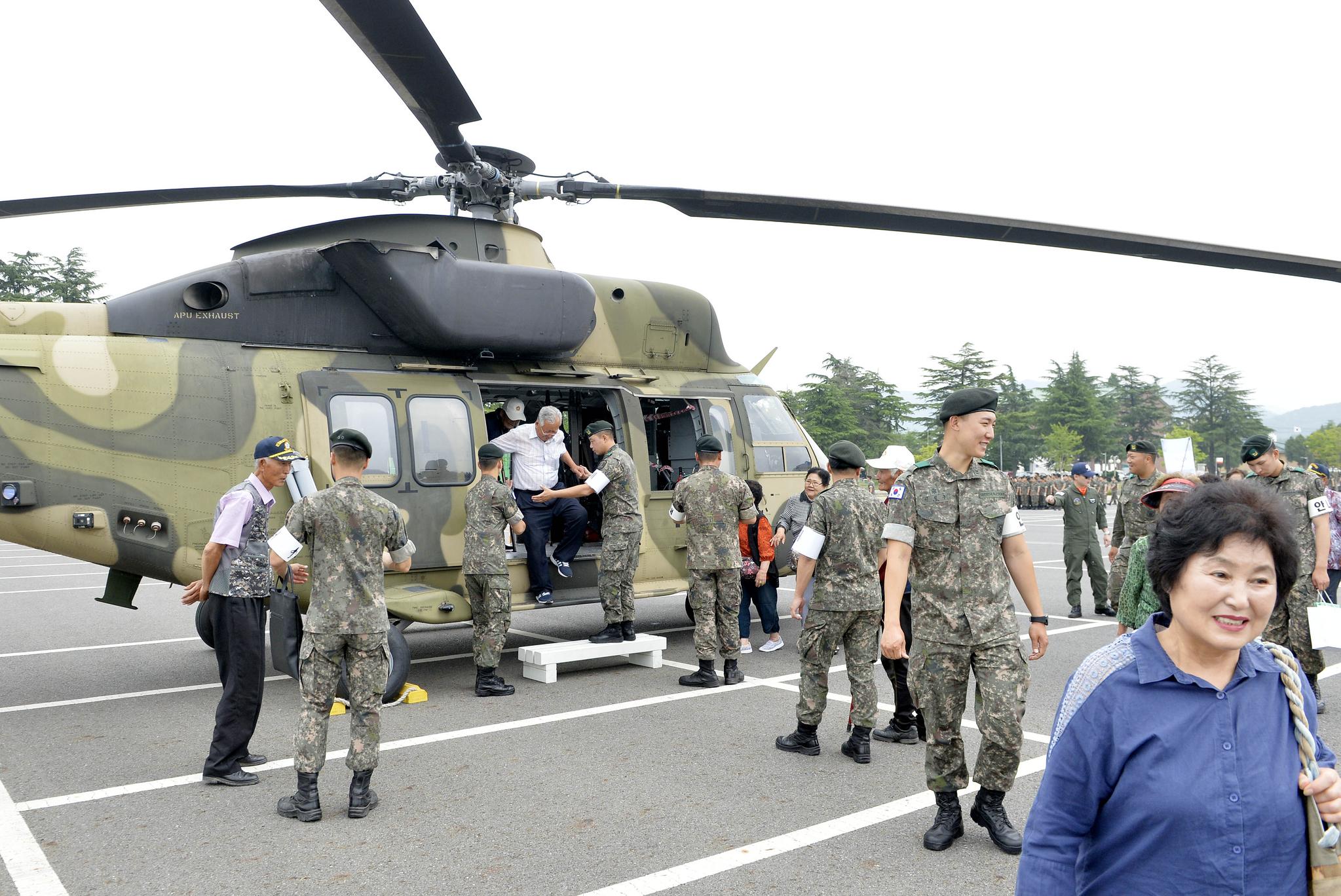 19일 충남 논산 육군훈련소에서 열린 6.25참전용사를 비롯한 보훈단체 초청 행사장에 전시된 수리온 헬기. 프리랜서 김성태