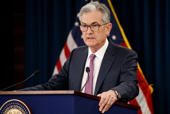 제롬 파월 미 연방준비제도(Fed) 의장이 19일(현지시간) 미 연방공개시장위원회(FOMC) 회의 직후 열린 기자회견에서 질문에 답하고 있다. [신화=연합뉴스]