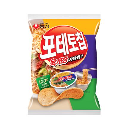괴식문화는 식품 회사 신제품 아이디어로 유입되고 있다. 사진은 농심 포테토칩 육개장라면맛.