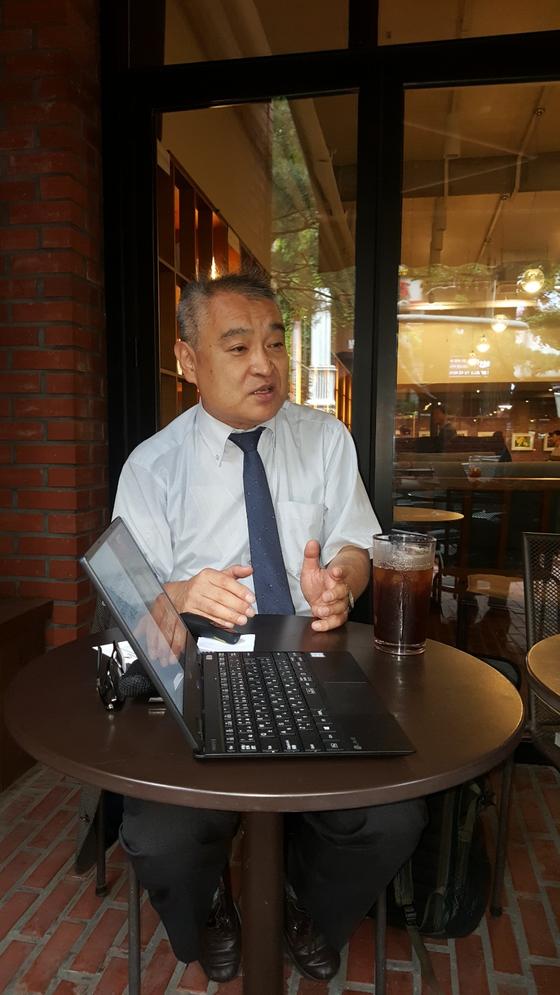 18일 오후 서울 시내 한 카페에서 만난 우에무라 다카시 기자. [사진 자유언론실천재단 제공]