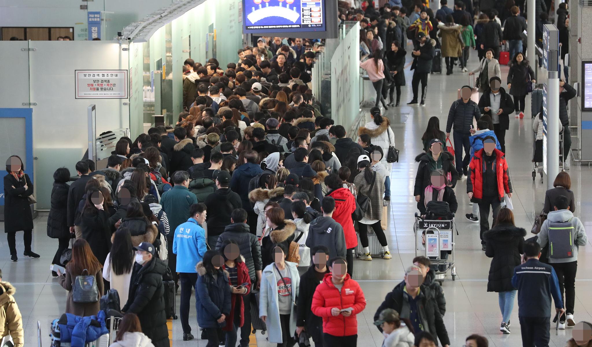 중동 항공사의 환승객 유치 규모가 커지면 커질 수록 인천공항 허브화는 더 어려워진다. [연합뉴스]