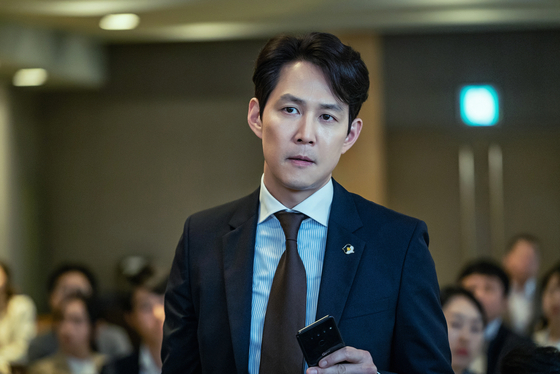 JTBC 드라마 '보좌관'에서 경찰 출신 보좌관 장태준 역할을 맡은 이정재. [사진 스튜디오앤뉴]
