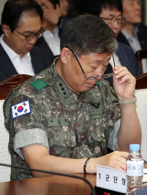 이진성 8군단장이 19일 서울 용산구 국방부에서 열린 '2019 전반기 전군주요지휘관회의'에 참석했다. 중앙포토
