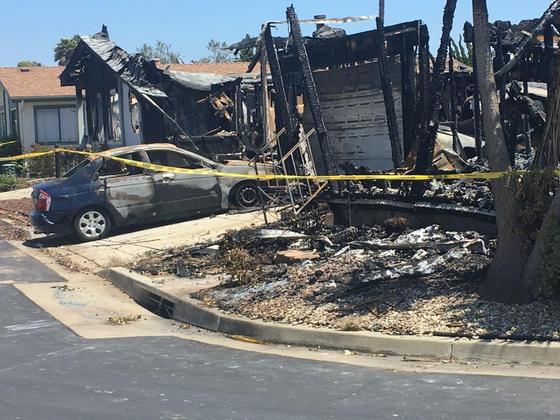 폭발로 인해 불에 탄 이동식 주택. [사진 산타마리아 타임스 트위터]