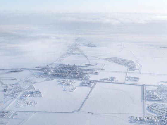 러시아 최대 액화천연가스(LNG) 사업자인 노바텍이 야말반도에 세운 첫 번째 북극 LNG 생산기지인 야말 기지의 지난해 모습이다. 노바텍은 후속 사업인 북극-2 LNG 기지를 2020년부터 착공할 계획이라고 밝혔다. [사진 노바텍]