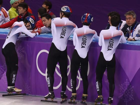지난해 평창올림픽 쇼트트랙 남자 5000m 계주 결승에 출전한 대표팀 선수들. [중앙포토]