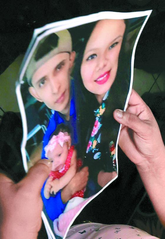 라미레스 부부와 발레리아가 함께 한 사진. [AP=연합뉴스]