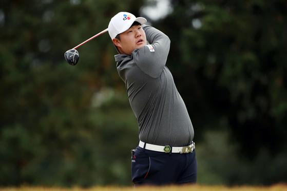 올 시즌 PGA 투어에서 강력한 신인왕 후보로 꼽히는 임성재. 키 1m81㎝인 그는 어니 엘스를 연상시키는 부드러운 스윙을 바탕으로 꾸준한 성적을 거두고 있다. [연합뉴스]